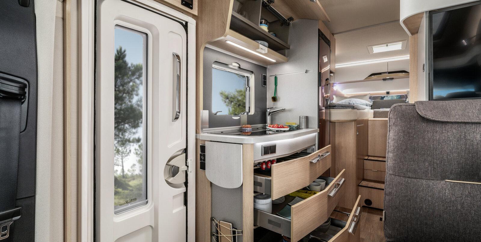 Hymer B Klasse Moderncomfort I In Een Notendop Hymer Camper
